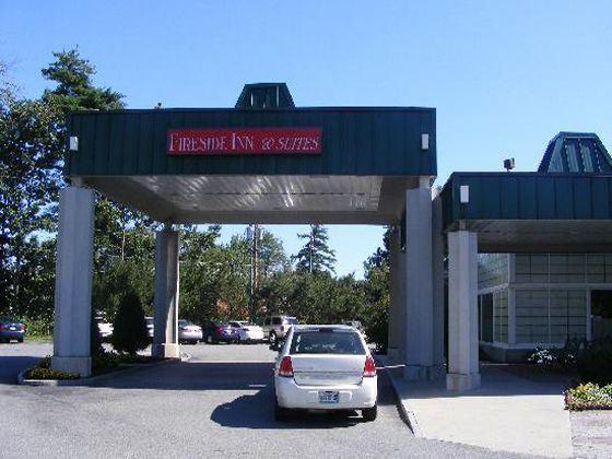 Fireside Inn Hotel Entrance