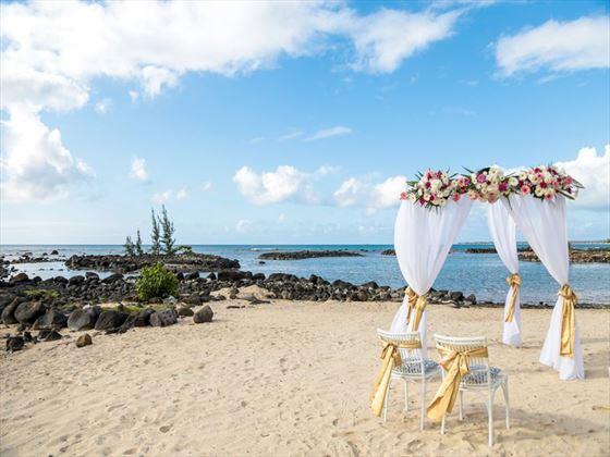 Gorgeous beach setting for your wedding at Veranda Pointe Aux Biches