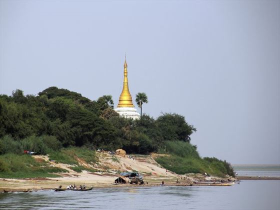 Pagoda at the Irrawaddy River