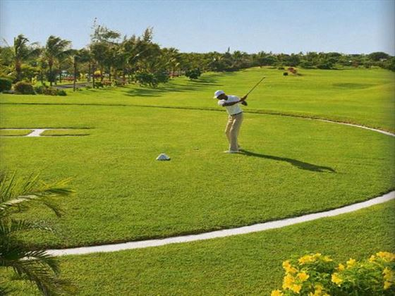 Golf facilities at LUX* Grand Gaube