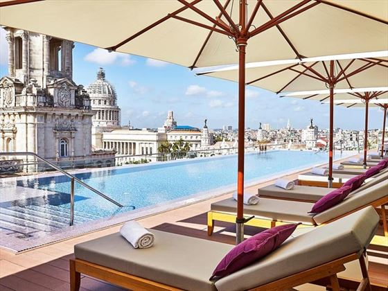 Gran Hotel Manzana Kempinski rooftop pool