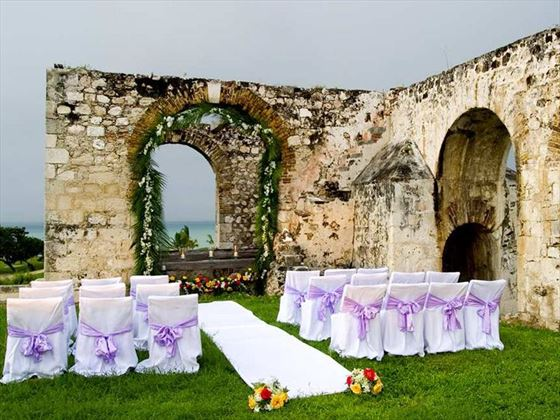 Wedding setting the Aqueduct