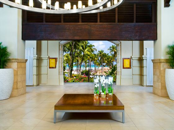 Hyatt Regency Aruba Resort & Casino lobby