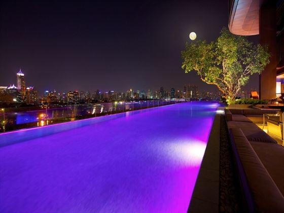 Infinity pool at Sofitel So Bangkok