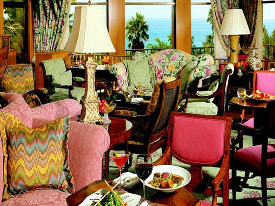 Jasmine lounge at Fairmont Southampton