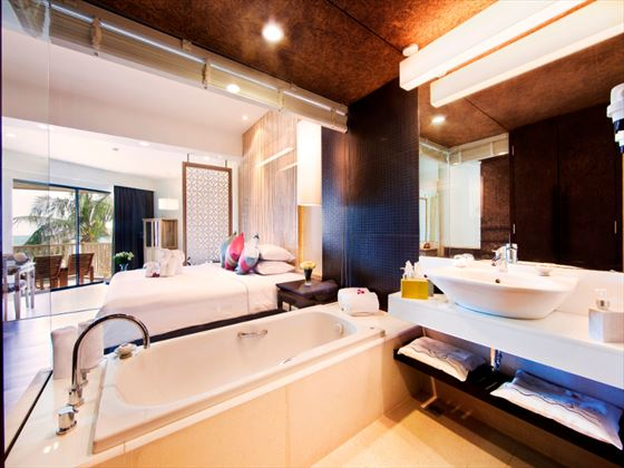 Katathani Phuket Beach Resort Hotel bathroom