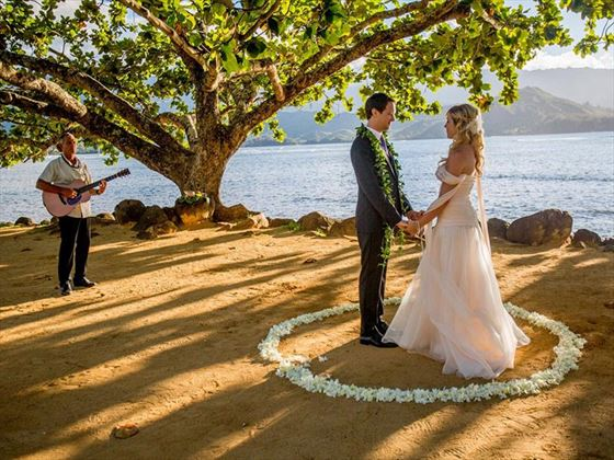 Beautiful Hawaiian wedding