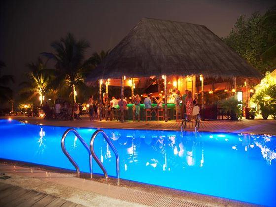 Kuredu Island Resort poolbar at night