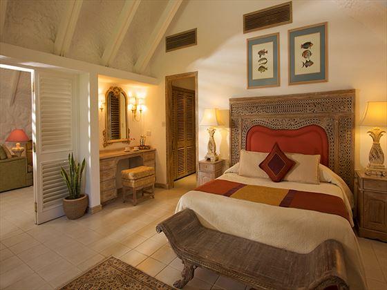 La Pirogue Suite bedroom