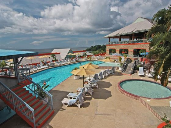 Le Grand Courlan Spa Resort swimming pool area