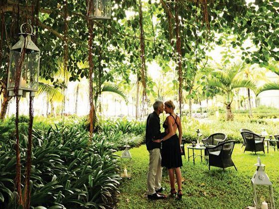 Tropical garden wedding at Heritage le Telfair