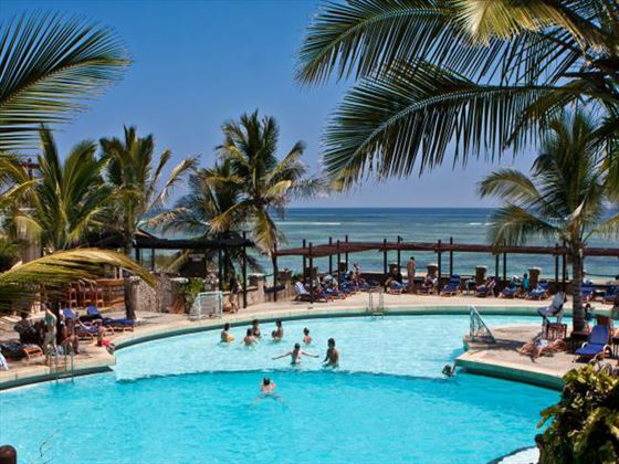 Leopard Beach Resort & Spa pool