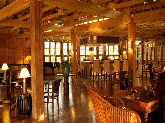 Martini lobby bar at Sunset at the Palms
