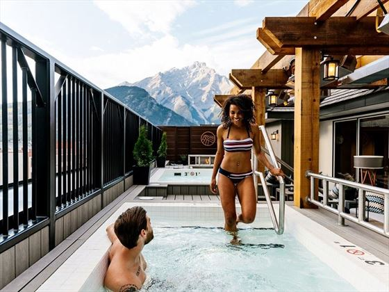 Rooftop Jacuzzi & Mountain Views, Mount Royal