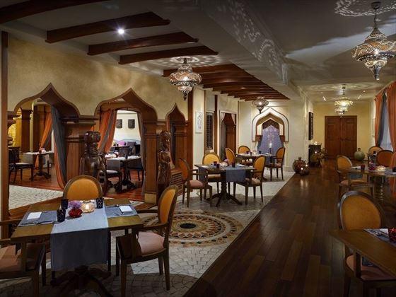 Movenpick Hotel & Apartments Bur Dubai Chutney's Restaurant