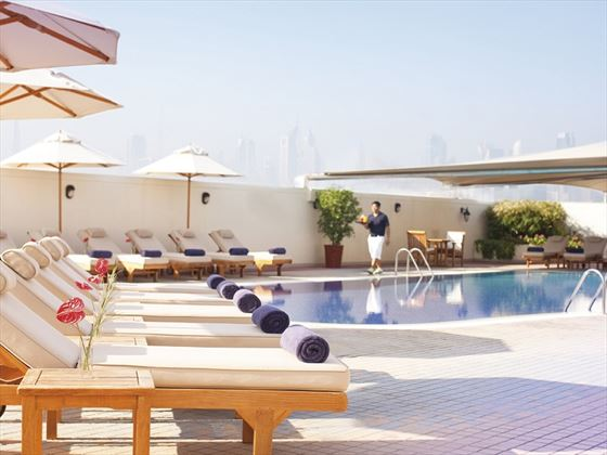Movenpick Hotel & Apartments Bur Dubai swimming pool