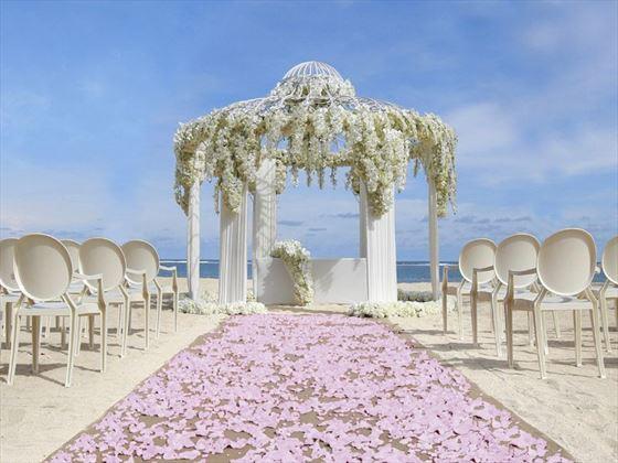 Gorgeous beach wedding setting