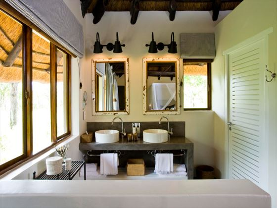 Mushara Lodge bathroom