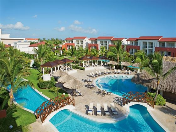 Pool and gardens at Now Larimar