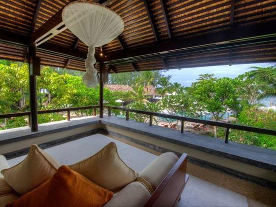 Ocean Deluxe Sitting Room
