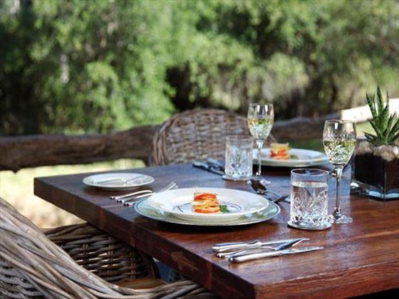 Outdoor dining at Camp Jabulani