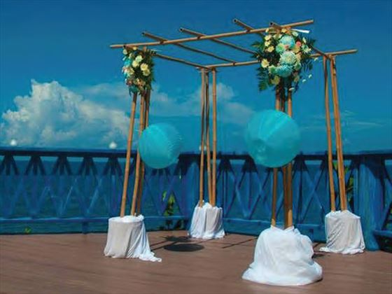 The patio deck, wedding settting