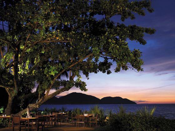 Pinang bar and restaurant at Shangri Las Rasa Sayang Resort & Spa