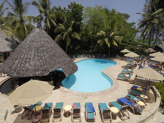Pinewood Beach Resort and Spa swimming pool