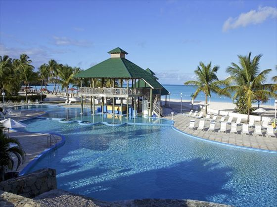 Jolly Beach Resort pool