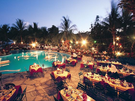 Poolside dinner at Sandies Tropical Village
