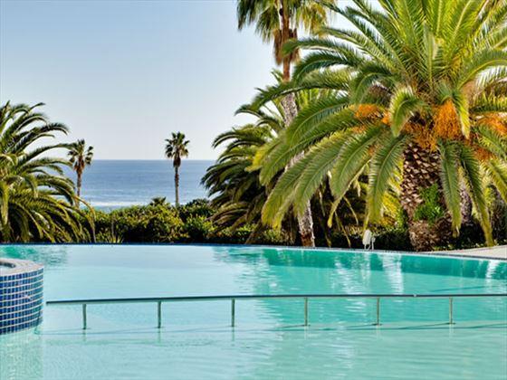 Protea Hotel President tropical pool