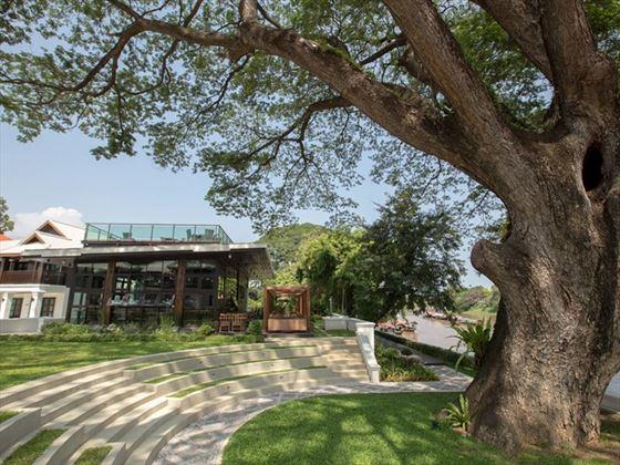 Time Riverfront Restaurant and Rain Tree, Na Nirand