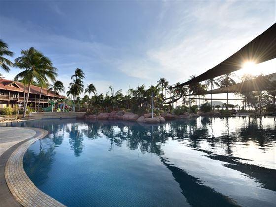 Meritus Pelagi Beach Horizon Pool