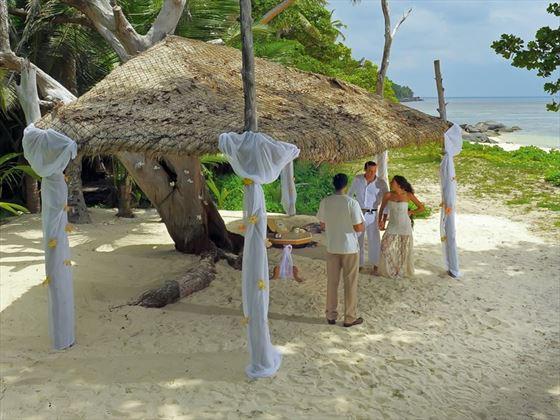 Beautiful wedding setting at Sainte Anne Island