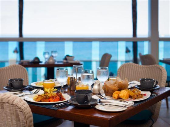 Seascape breakfast