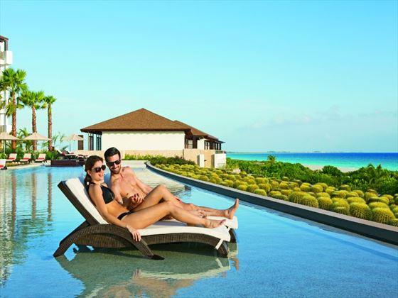 Secrets Playa Mujeres Golf & Spa Resort infinity pool