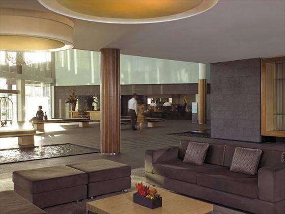 Shangri-La Cairns lobby