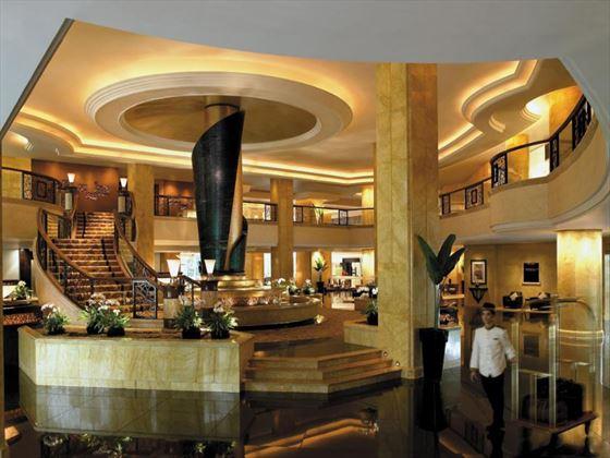 Shangri-La Kuala Lumpur lobby