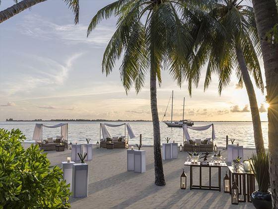 Cocktails on the beach at Shangri-La Villingili Resort