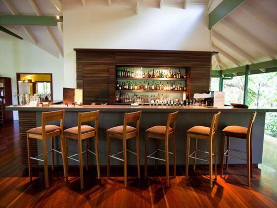 Silky Oaks Lodge restaurant and bar