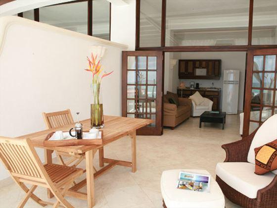 Silverpoint Hotel One-bedroom Oceanfront Room