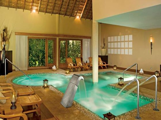 Spa pool at Zoetry Agua Resort & Spa