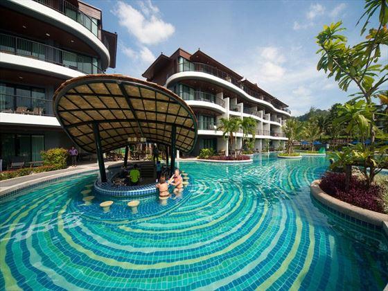 Swim-up pool bar at Holiday Inn Resort, Krabi