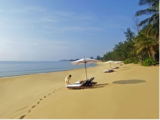 Beach at Tajong Jara Beach Resort