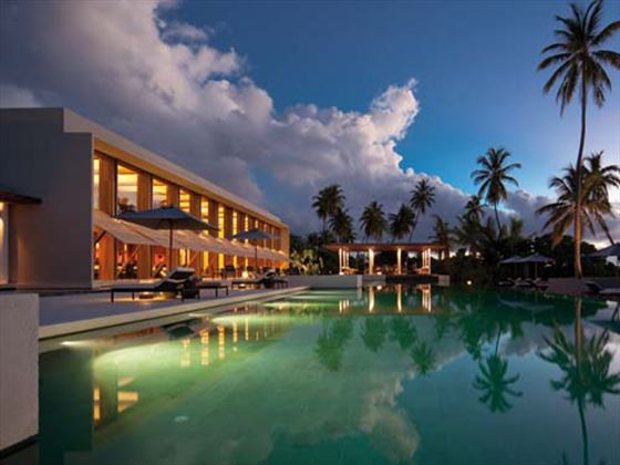 Park Hyatt Hadahaa The Dining Room Pool & Bar