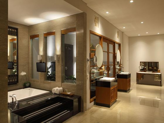 The Samaya Seminyak Pool Villa bathroom