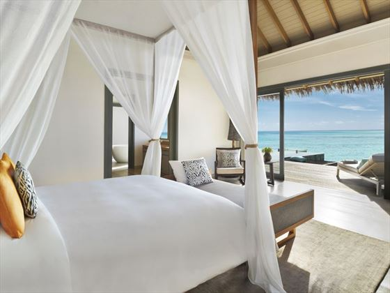 Vakkaru Maldives, Over Water Pool Suite