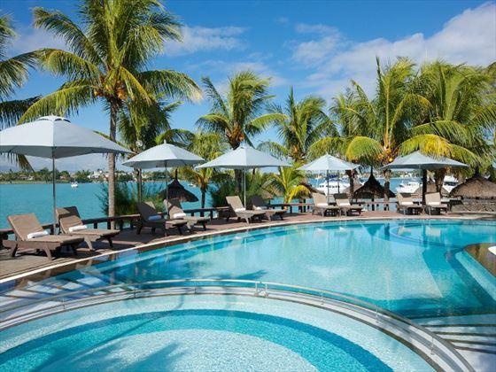 Veranda Grand Baie pool
