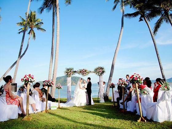Beautiful wedding setting at The Vijitt Resort