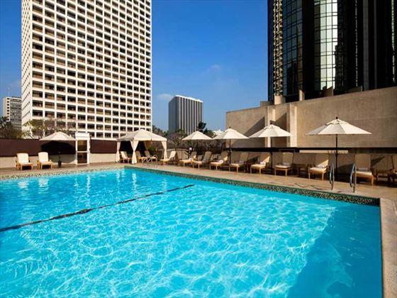 Westin Bonaventure pool